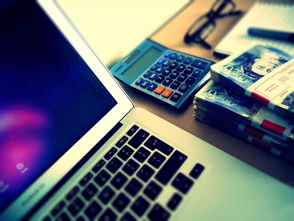 Memanfaatkan Teknologi Untuk Mengatur Keuangan