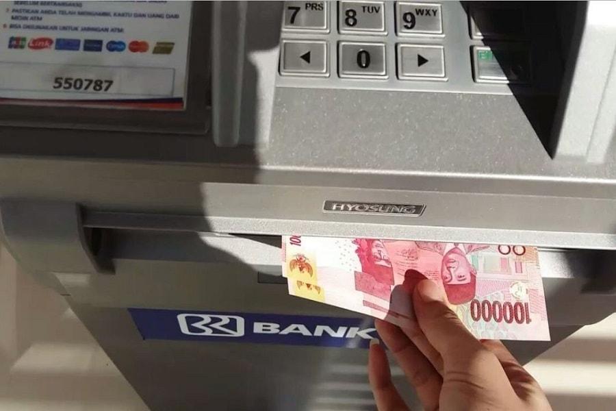 Hal Yang Perlu Kamu Ketahui Sebelum Tarik Tunai Dari Kartu Kredit
